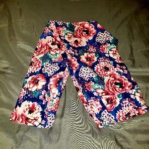 Pants - Floral print leggings super soft EUC